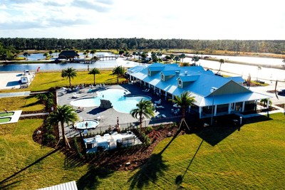 Clubhouse Resort Style Pool, Hot Tub, and Tiki Bar
